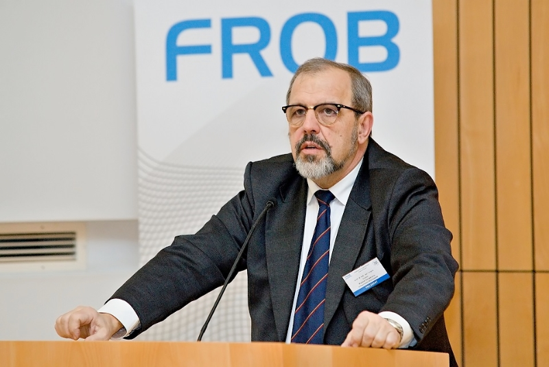 frob2-25